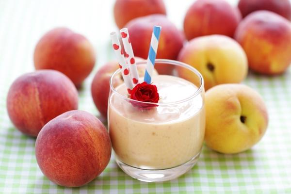 Strawberry Peach Mango Green Smoothie Recipe